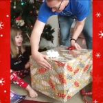 予想外の展開!クリスマスに子猫でサプライズするつもりが・・
